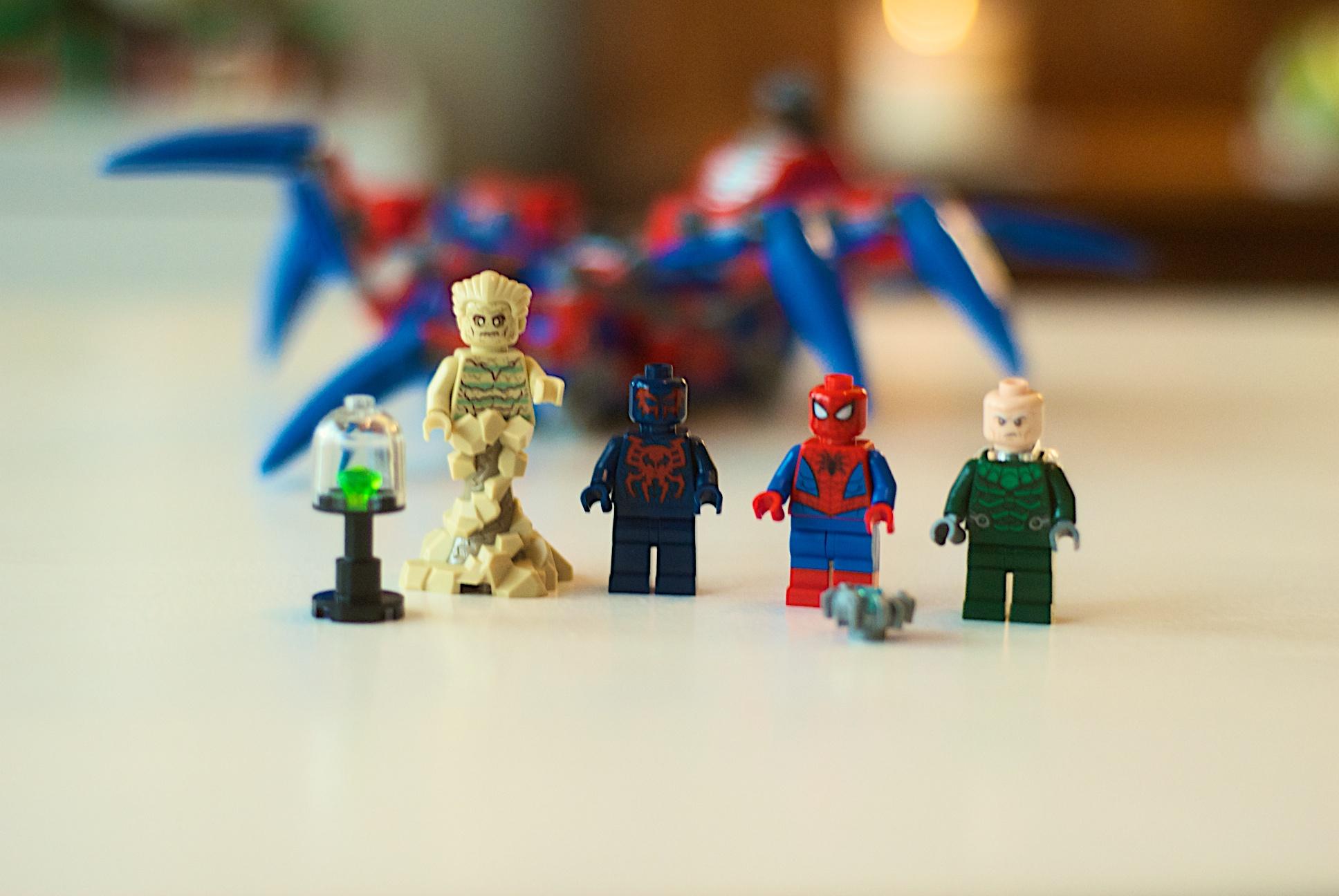 LEGO 76114 Spider-Man's Spider Crawler 27