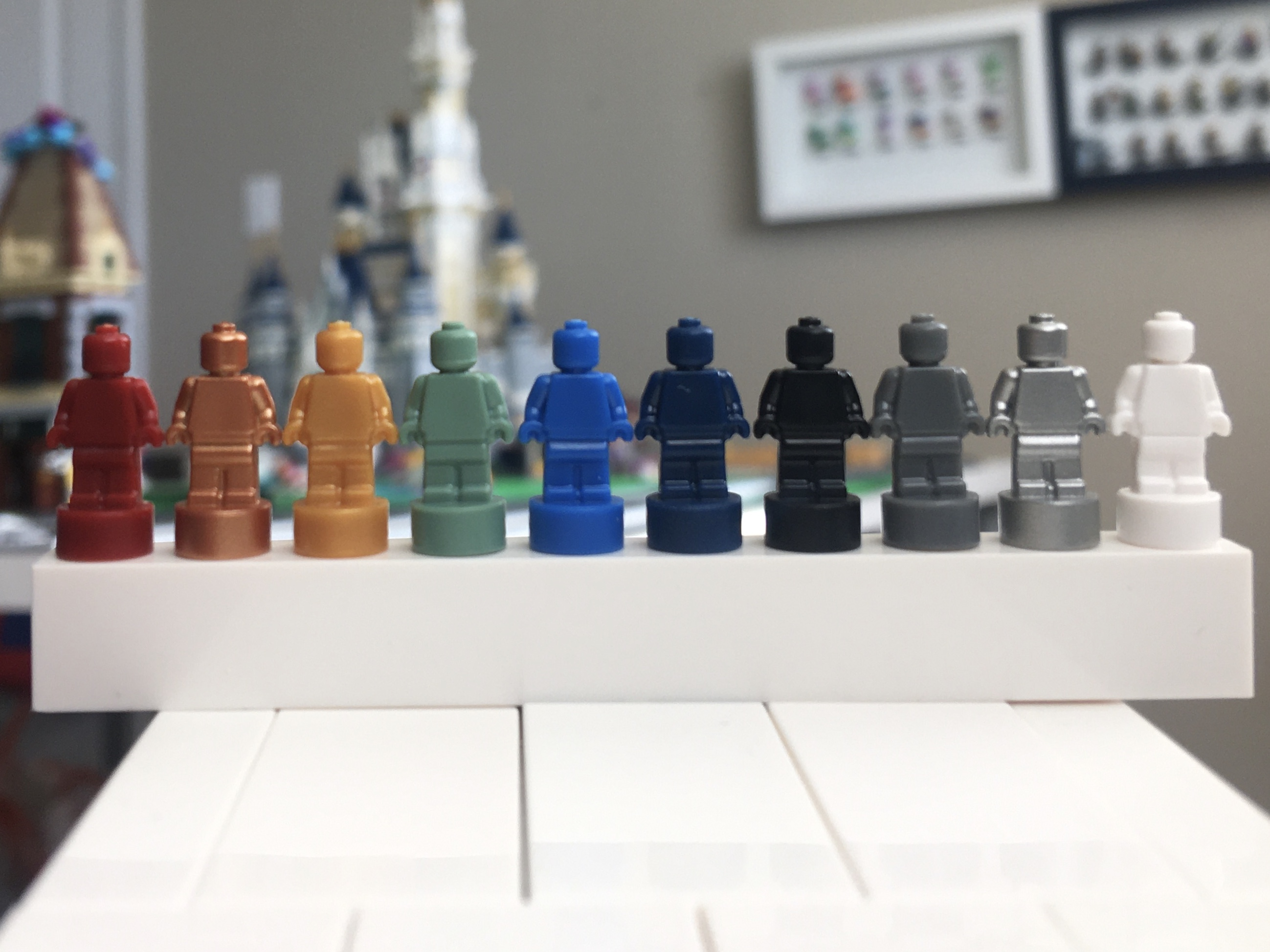 Set of 10 collectable LEGO monochrome nanofigures.