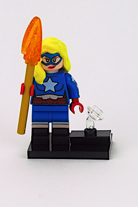 Lego Minifigure  Aquaman Complete Set with Stand and Accessories 71026